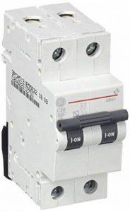 General Electric 674067 Interrupteur magnéto-thermique de la marque General Electric image 0 produit