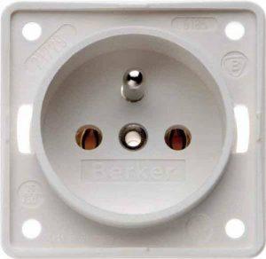Hager iNTEGRO prise courant avec Pin terre blanc polaire mat de la marque Hager image 0 produit