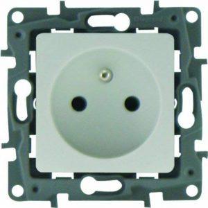 Legrand LEG200393 Lot de 6 Prises de Courant avec terre à composer éclat Niloe de la marque Legrand image 0 produit