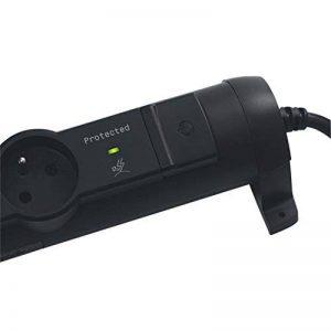 Legrand LEG50295 Rallonge multiprise confort et sécurité parafoudre 4 prises 2 pôles avec terre et cordon 1,5 m Noir de la marque Legrand image 0 produit
