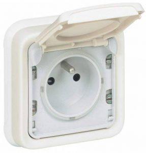 Legrand LEG69987 Prise de courant avec terre avec volet de protection à encastrer Blanc Plexo de la marque Legrand image 0 produit