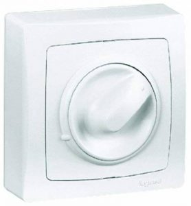 Legrand LEG97345 Interrupteur variateur à bouton rotatif saillie 300 W Blanc de la marque Legrand image 0 produit