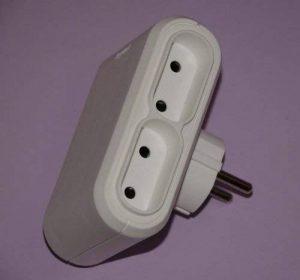 Multi Fiche adaptatrice Contact Répartiteur multiprise 4prises Legrand de la marque Legrand image 0 produit