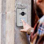 Smartwares DIC-22212 (VD71 VD71W VD71Z) Système d'Interphone Vidéo HD 720p Écran LCD Caméra Panoramique/Inclinaison Fonction d'Enregistrement Automatique Vision Nocturne, Blanc, 7 Pouces/17,8 cm de la marque Smartwares image 2 produit